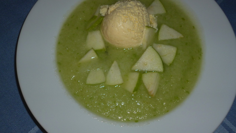 """Kalte Apfel – Suppe"""